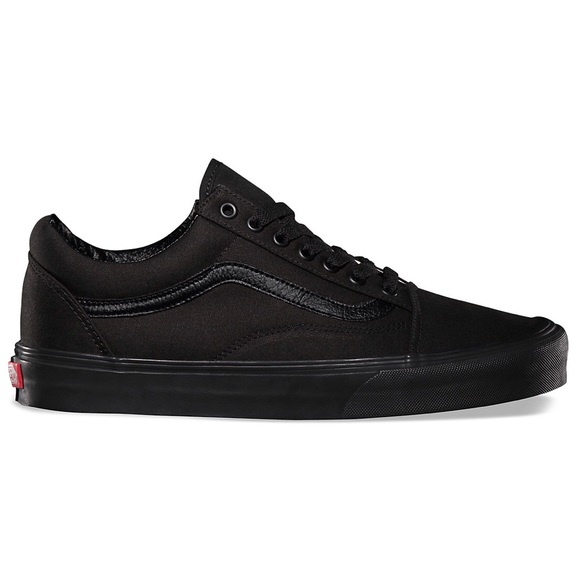 a7a868aa80b81a All Black Low Top Vans. M 5afce6898290af5c39c42144